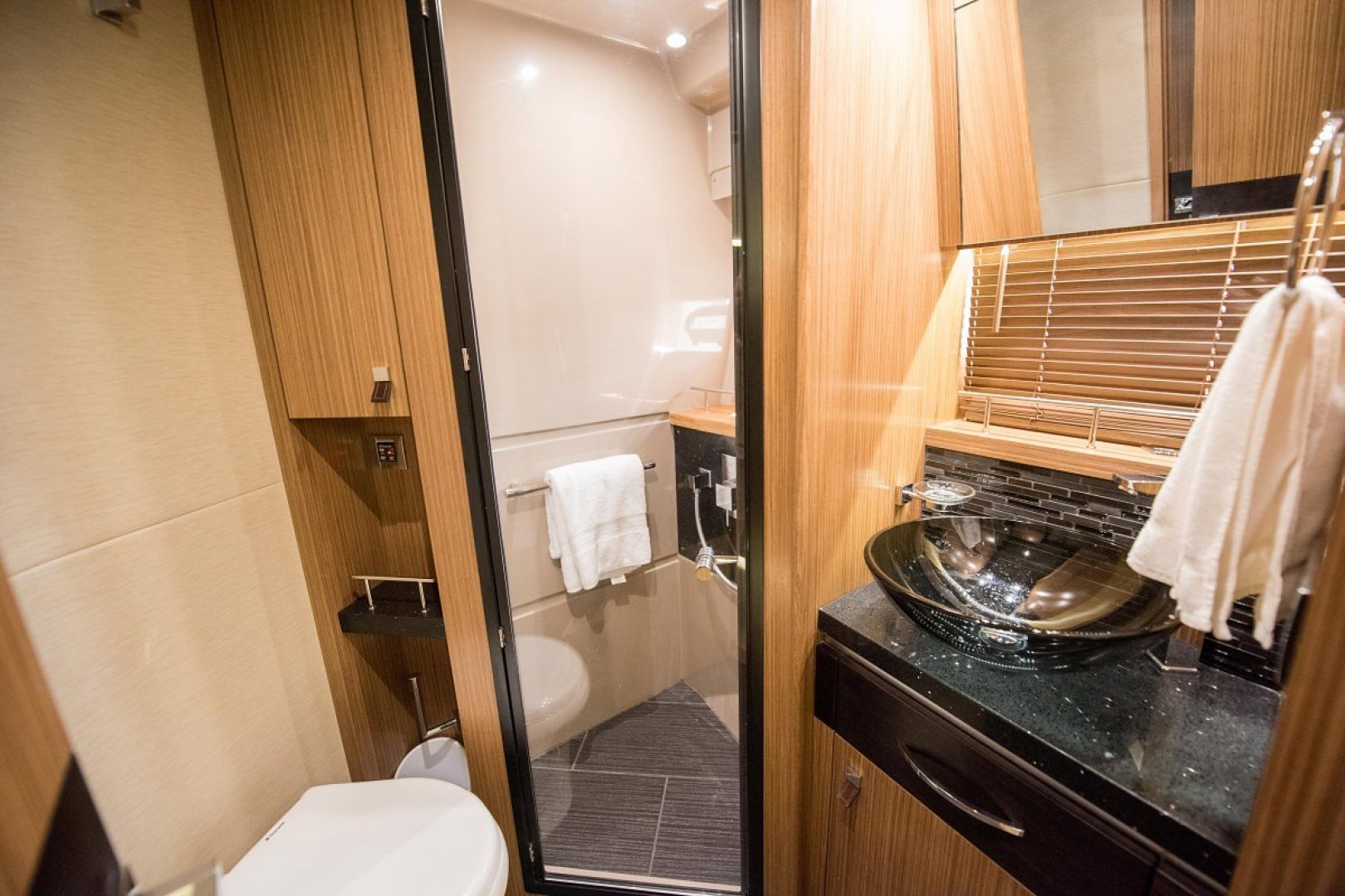 Sea Ray-L590 Fly 2016-2016 Sea Ray L590 Fly Ft. Lauderdale-Florida-United States-1284640 | Thumbnail
