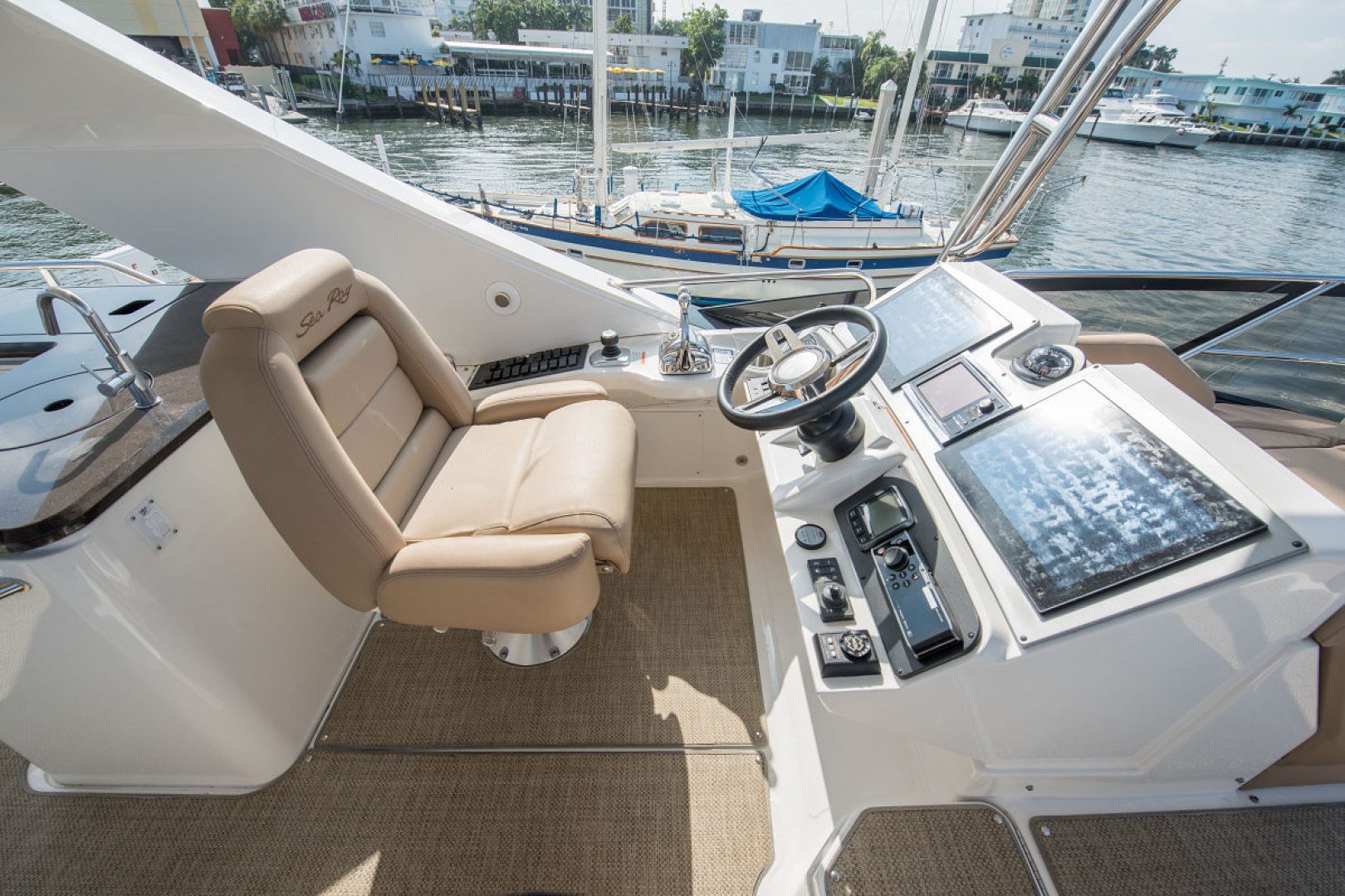 Sea Ray-L590 Fly 2016-2016 Sea Ray L590 Fly Ft. Lauderdale-Florida-United States-1284607 | Thumbnail