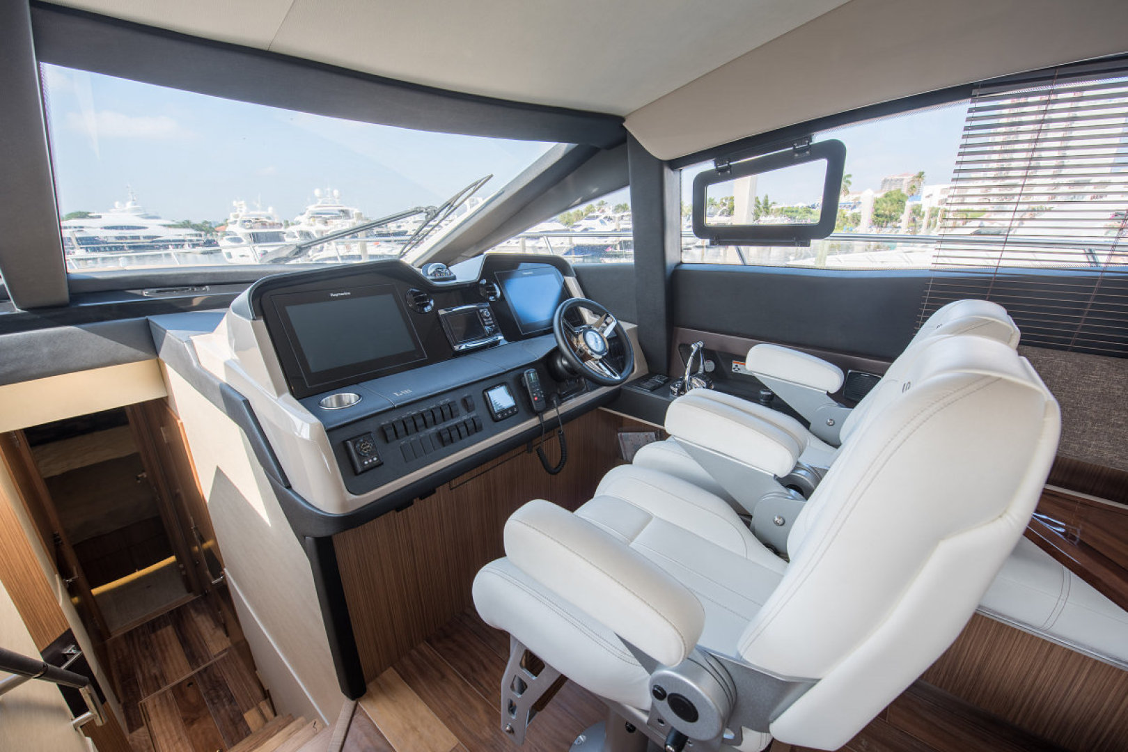 Sea Ray-L590 Fly 2016-2016 Sea Ray L590 Fly Ft. Lauderdale-Florida-United States-1284627 | Thumbnail