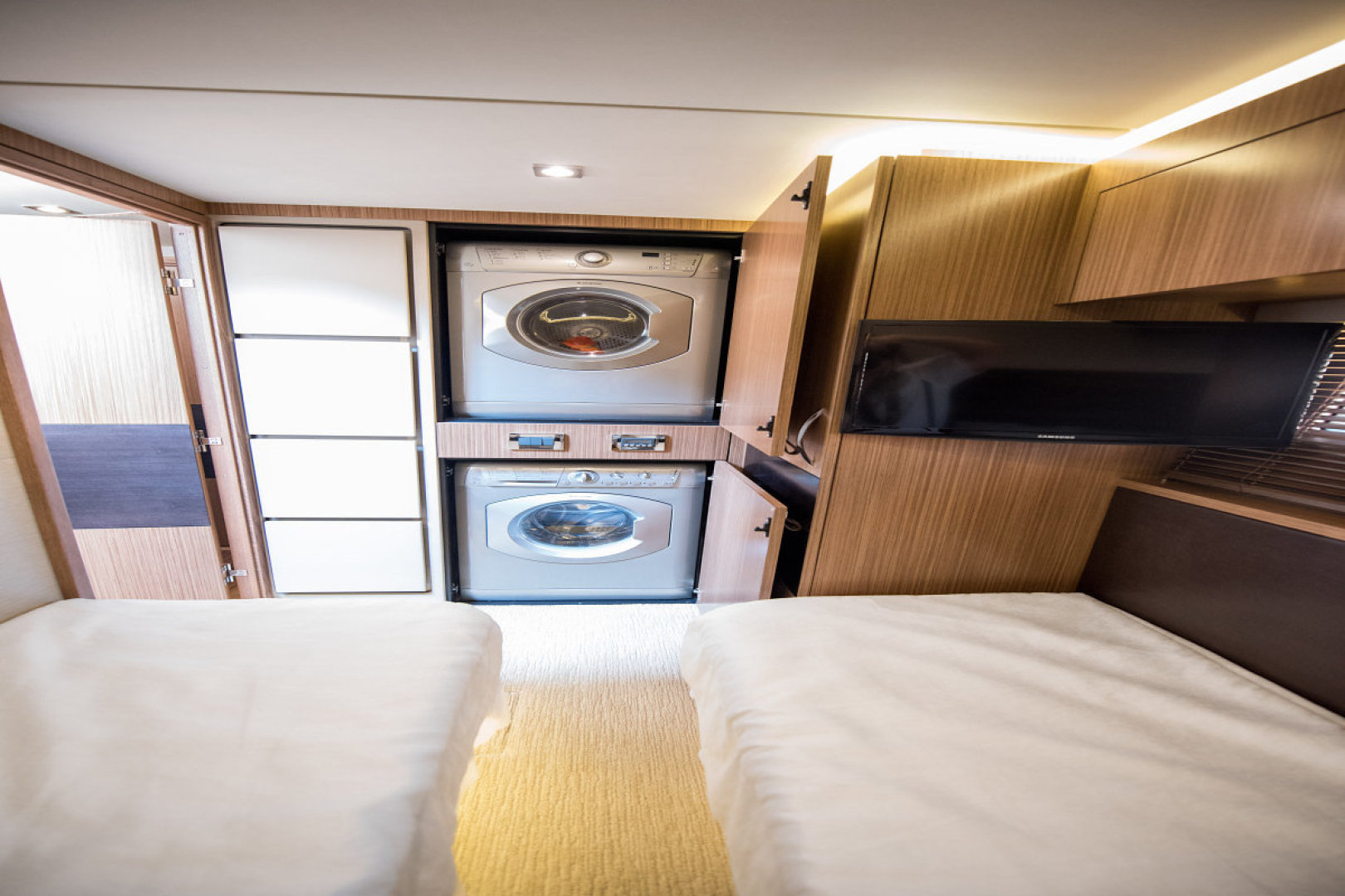 Sea Ray-L590 Fly 2016-2016 Sea Ray L590 Fly Ft. Lauderdale-Florida-United States-1284642 | Thumbnail