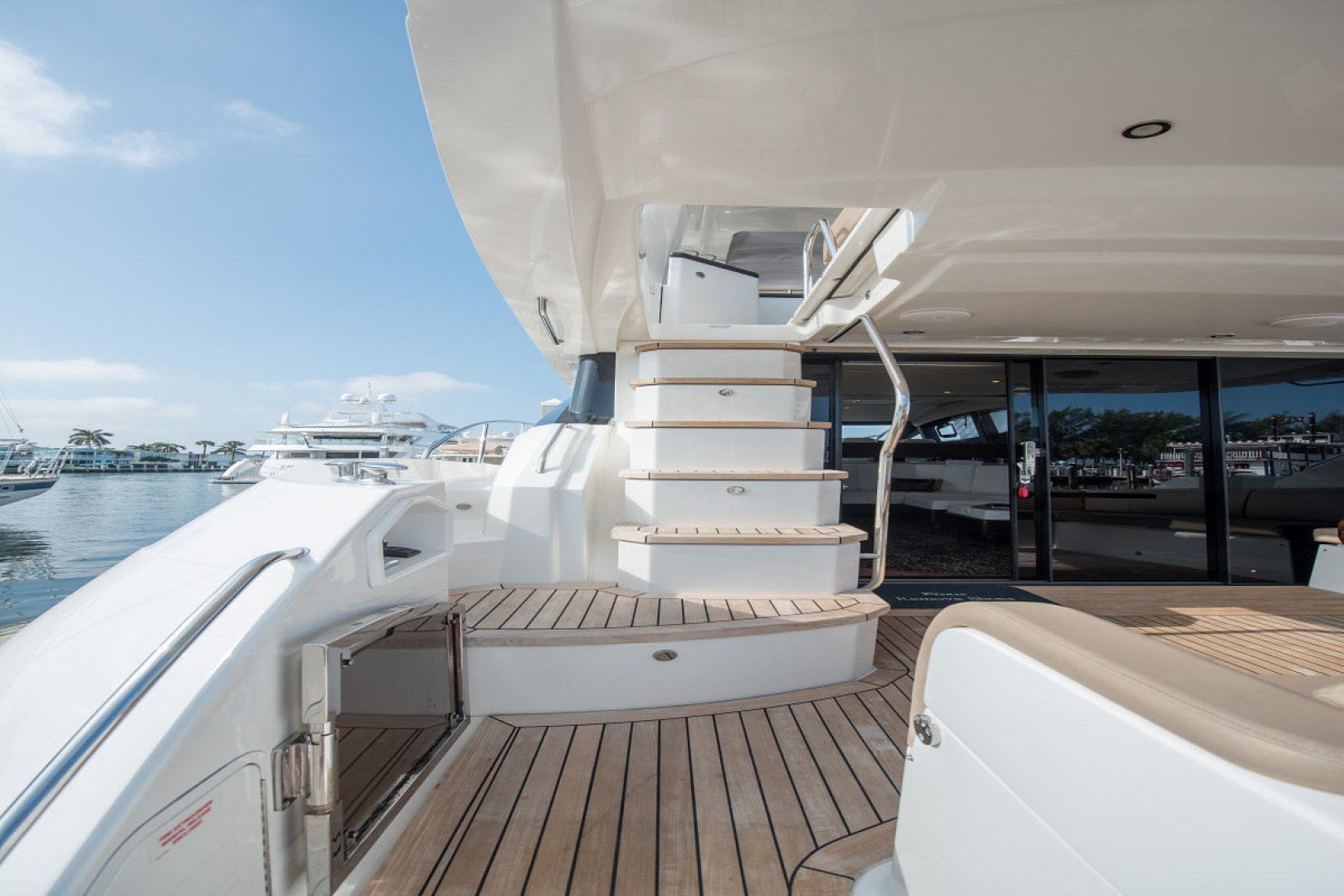 Sea Ray-L590 Fly 2016-2016 Sea Ray L590 Fly Ft. Lauderdale-Florida-United States-1284600 | Thumbnail
