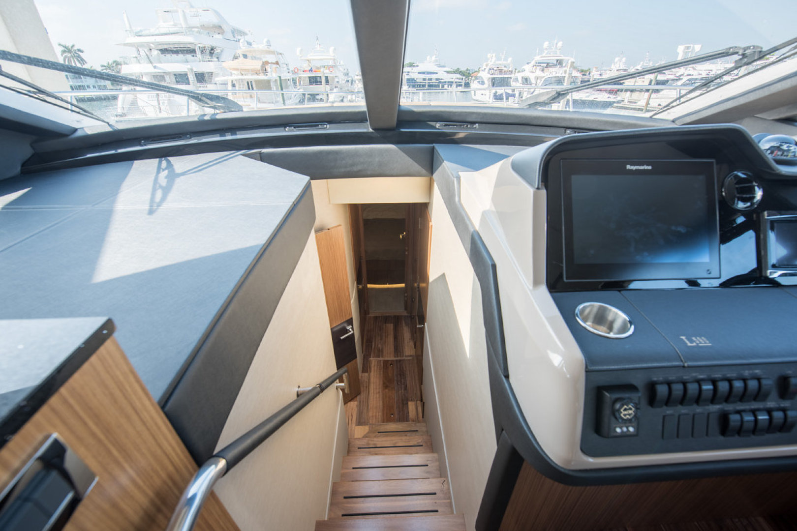Sea Ray-L590 Fly 2016-2016 Sea Ray L590 Fly Ft. Lauderdale-Florida-United States-1284628 | Thumbnail
