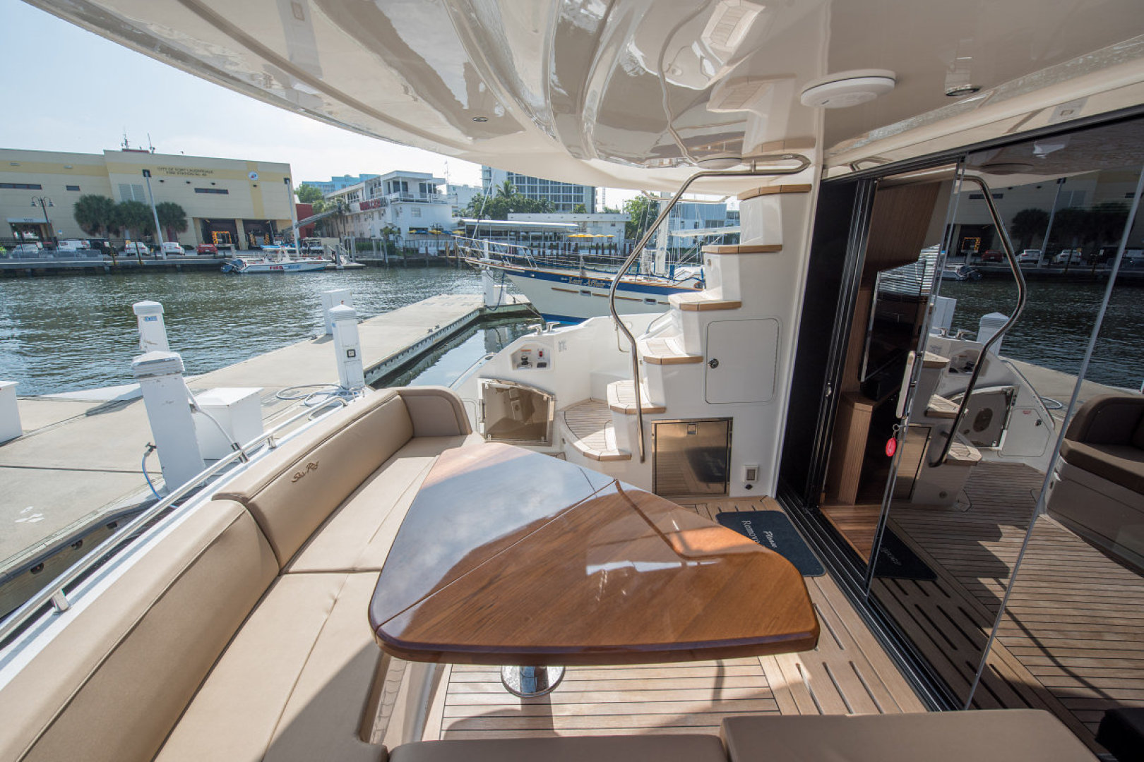 Sea Ray-L590 Fly 2016-2016 Sea Ray L590 Fly Ft. Lauderdale-Florida-United States-1284601 | Thumbnail