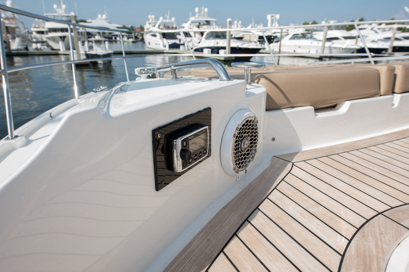 Sea Ray-L590 Fly 2016-2016 Sea Ray L590 Fly Ft. Lauderdale-Florida-United States-1284617 | Thumbnail