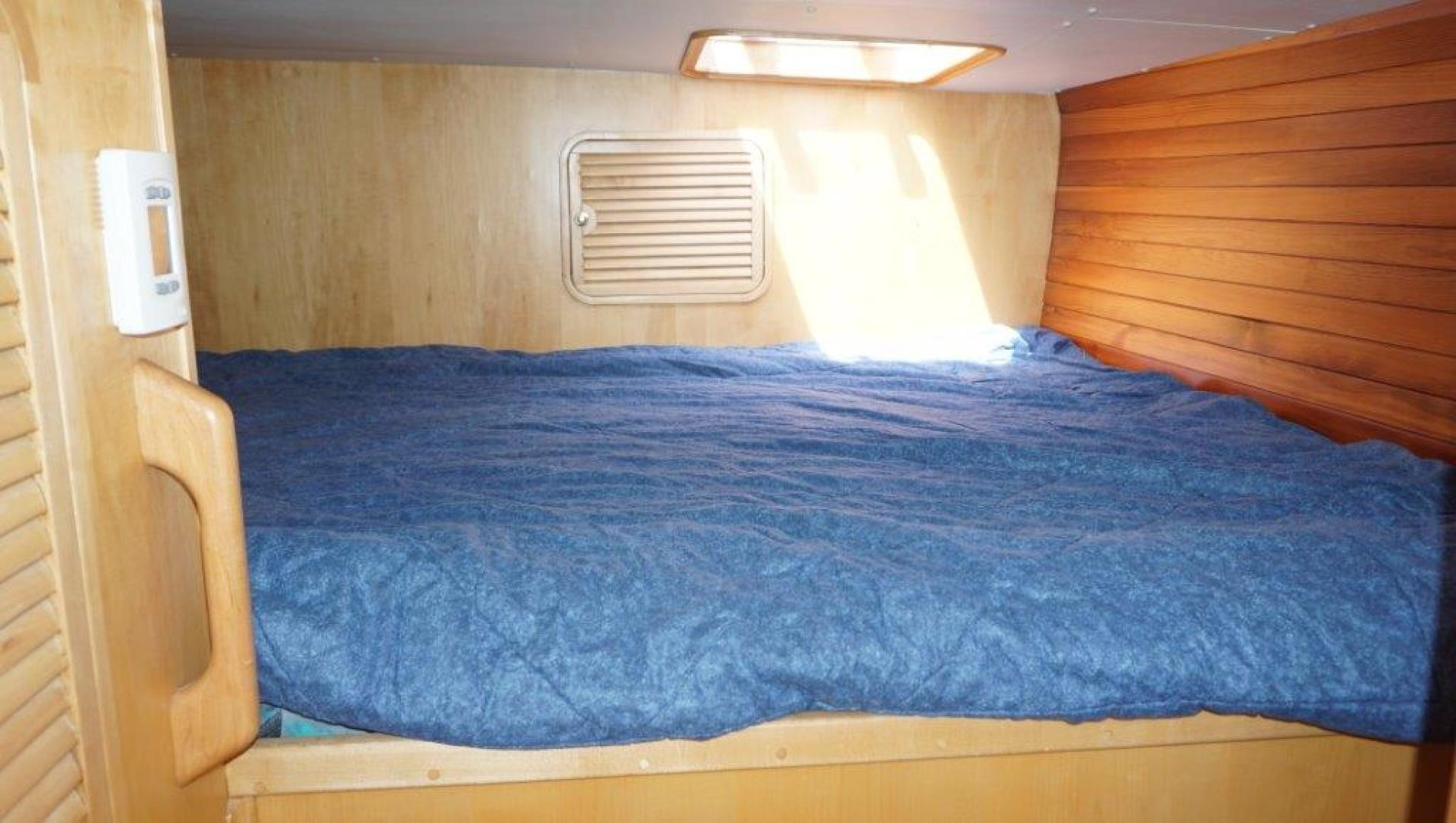 Custom-Simpson Slipstream 15 1998-Journey II Gibsons-British Columbia-Canada-Aft Port Berth-1285614 | Thumbnail