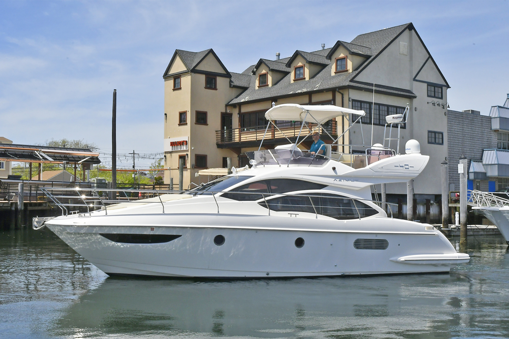 Picture Of: 38' Azimut 40 Fly 2012 Yacht For Sale | 2 of 41