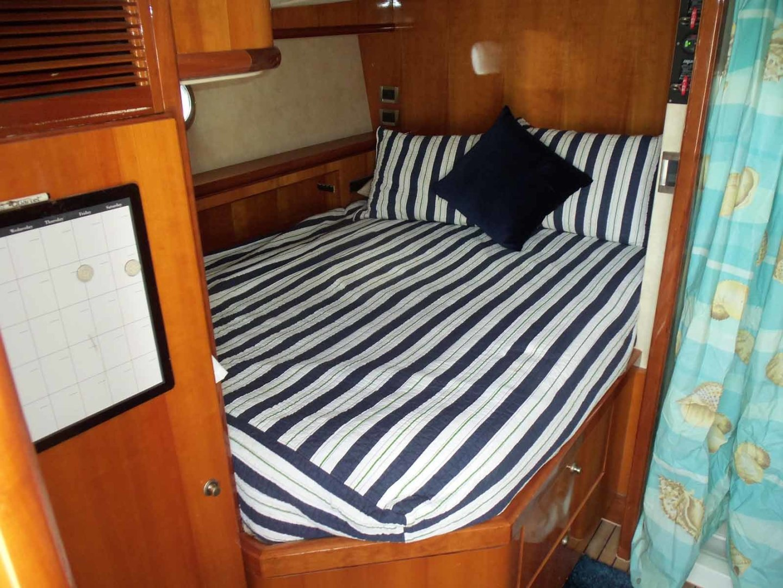 Queenship-Barretta 76 2004-SEA MYSTIC Fort Myers-Florida-United States-Crew Berth To Port-1588149 | Thumbnail