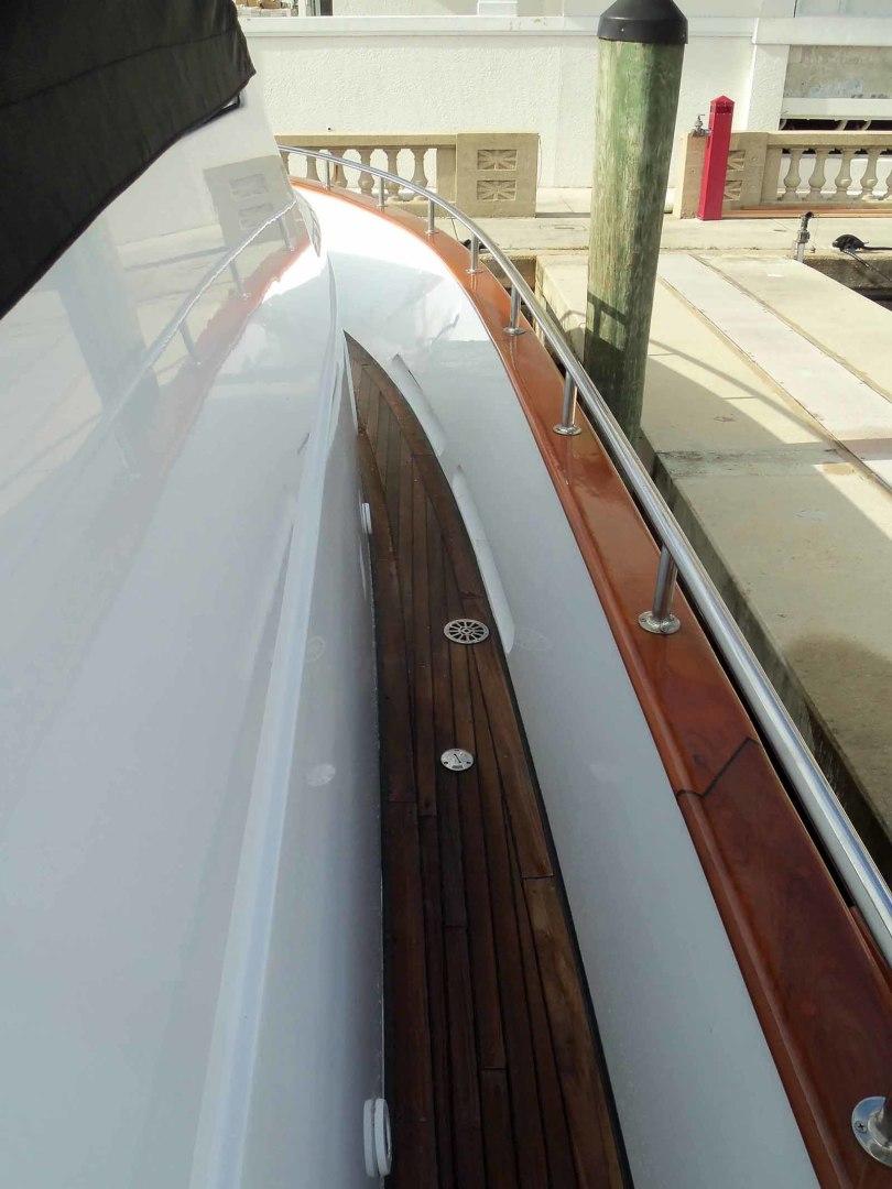 Queenship-Barretta 76 2004-SEA MYSTIC Fort Myers-Florida-United States-Forward Deck-1588167 | Thumbnail
