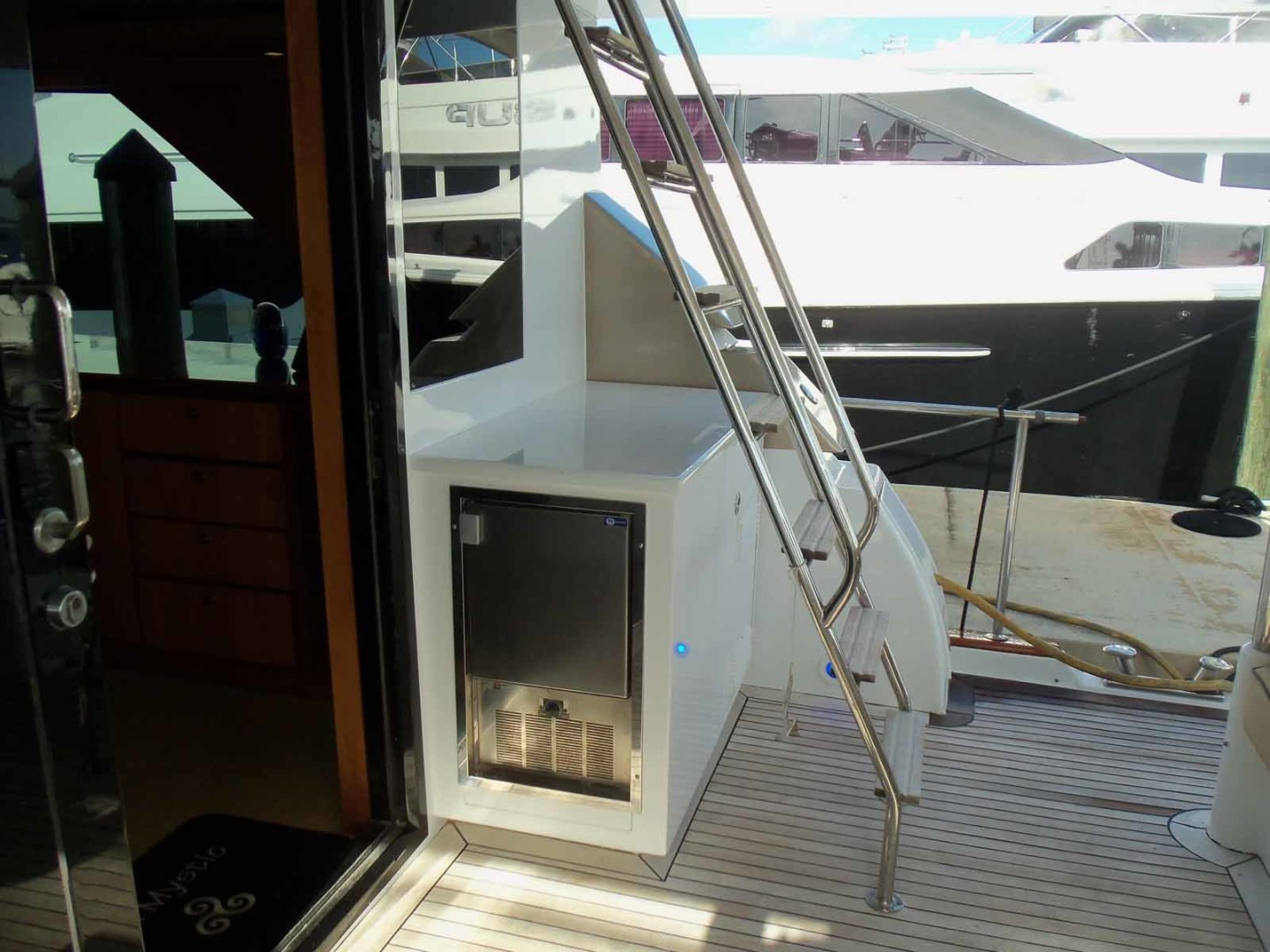 Queenship-Barretta 76 2004-SEA MYSTIC Fort Myers-Florida-United States-Stbd Side Aft Deck-1588130 | Thumbnail