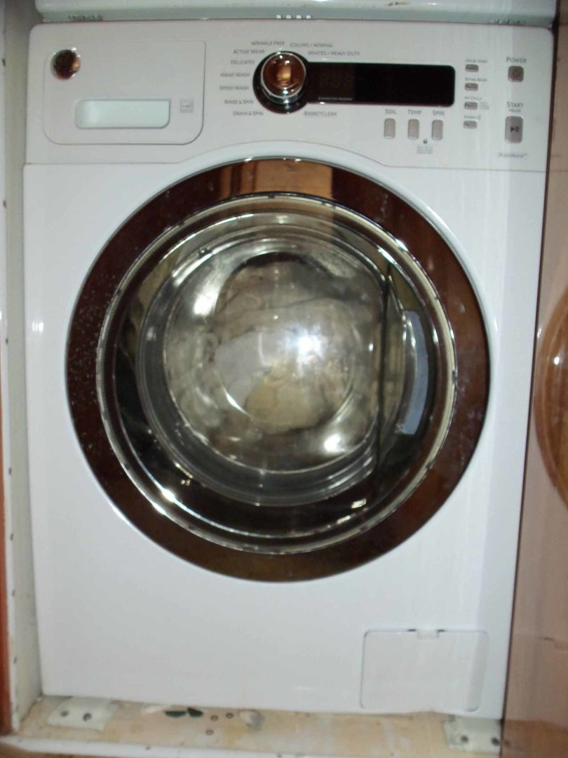 Queenship-Barretta 76 2004-SEA MYSTIC Fort Myers-Florida-United States-Accommodation Stairway Washer-1588107 | Thumbnail