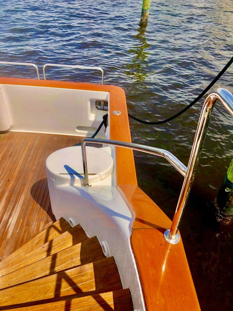 Queenship-Barretta 76 2004-SEA MYSTIC Fort Myers-Florida-United States-March 2020 Cap Rails And Covering Boards Refinished-1588134 | Thumbnail