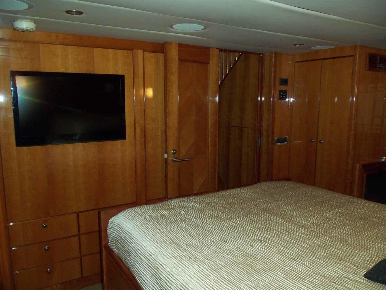 Queenship-Barretta 76 2004-SEA MYSTIC Fort Myers-Florida-United States-Master Looking Forward-1588119 | Thumbnail
