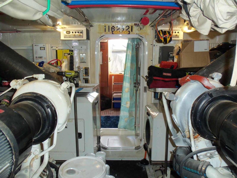 Queenship-Barretta 76 2004-SEA MYSTIC Fort Myers-Florida-United States-Engine Room-1588154 | Thumbnail