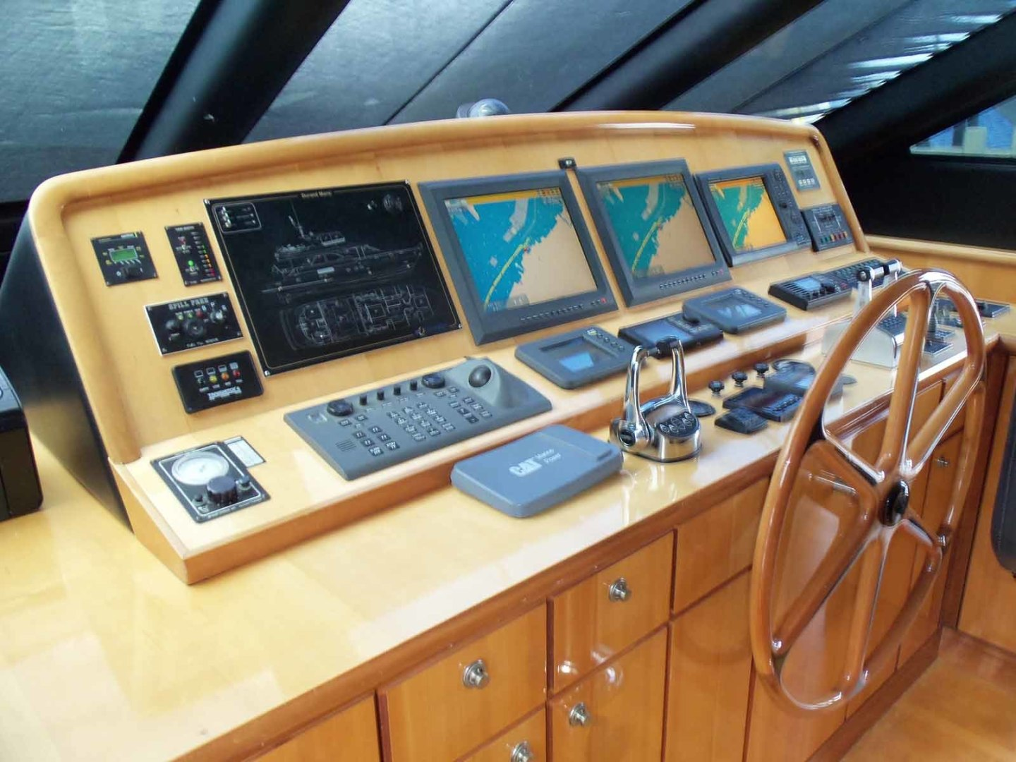 Queenship-Barretta 76 2004-SEA MYSTIC Fort Myers-Florida-United States-Helm From Port-1588092 | Thumbnail