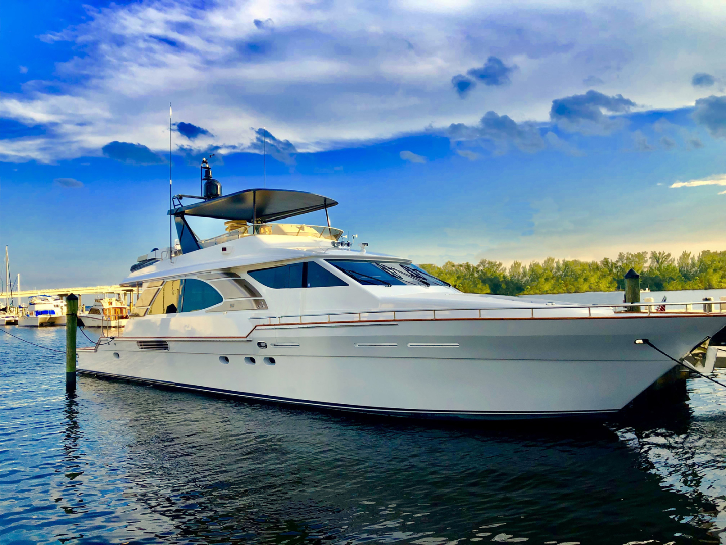 Picture Of: 76' Queenship Barretta 76 2004 Yacht For Sale | 1 of 86