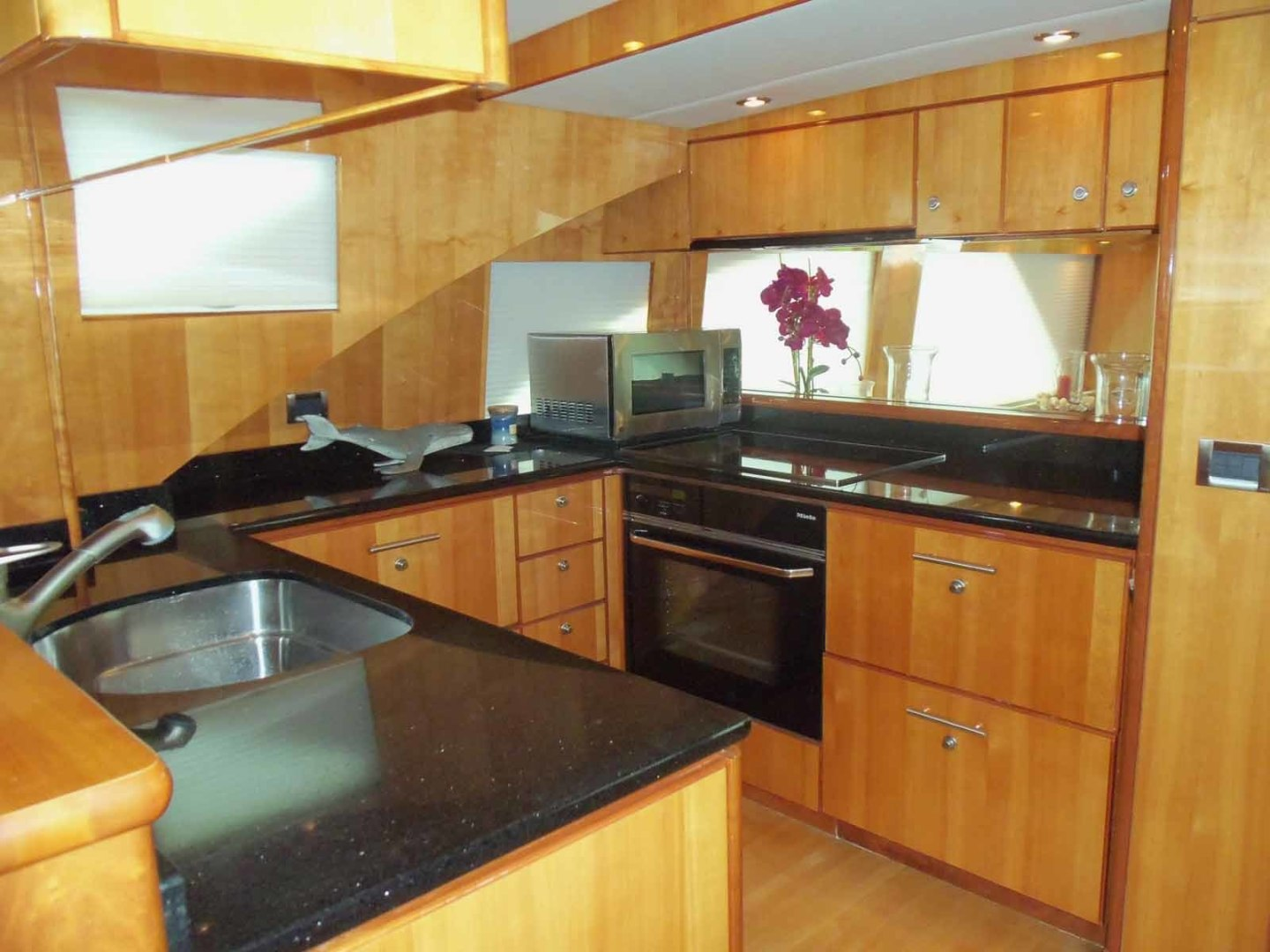 Queenship-Barretta 76 2004-SEA MYSTIC Fort Myers-Florida-United States-Galley Looking Aft-1588080 | Thumbnail