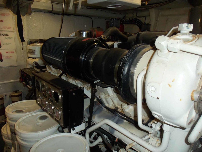Queenship-Barretta 76 2004-SEA MYSTIC Fort Myers-Florida-United States-Stbd Entine-1588155 | Thumbnail