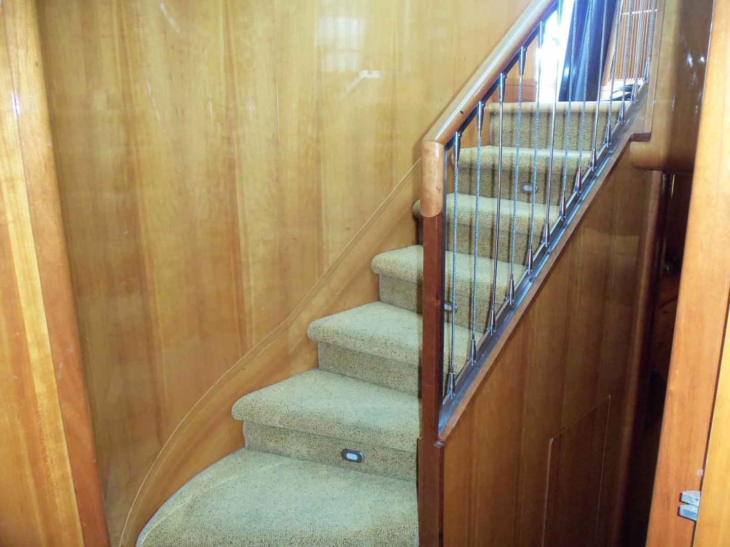 Queenship-Barretta 76 2004-SEA MYSTIC Fort Myers-Florida-United States-Lower Accomodation Steps-1588102 | Thumbnail