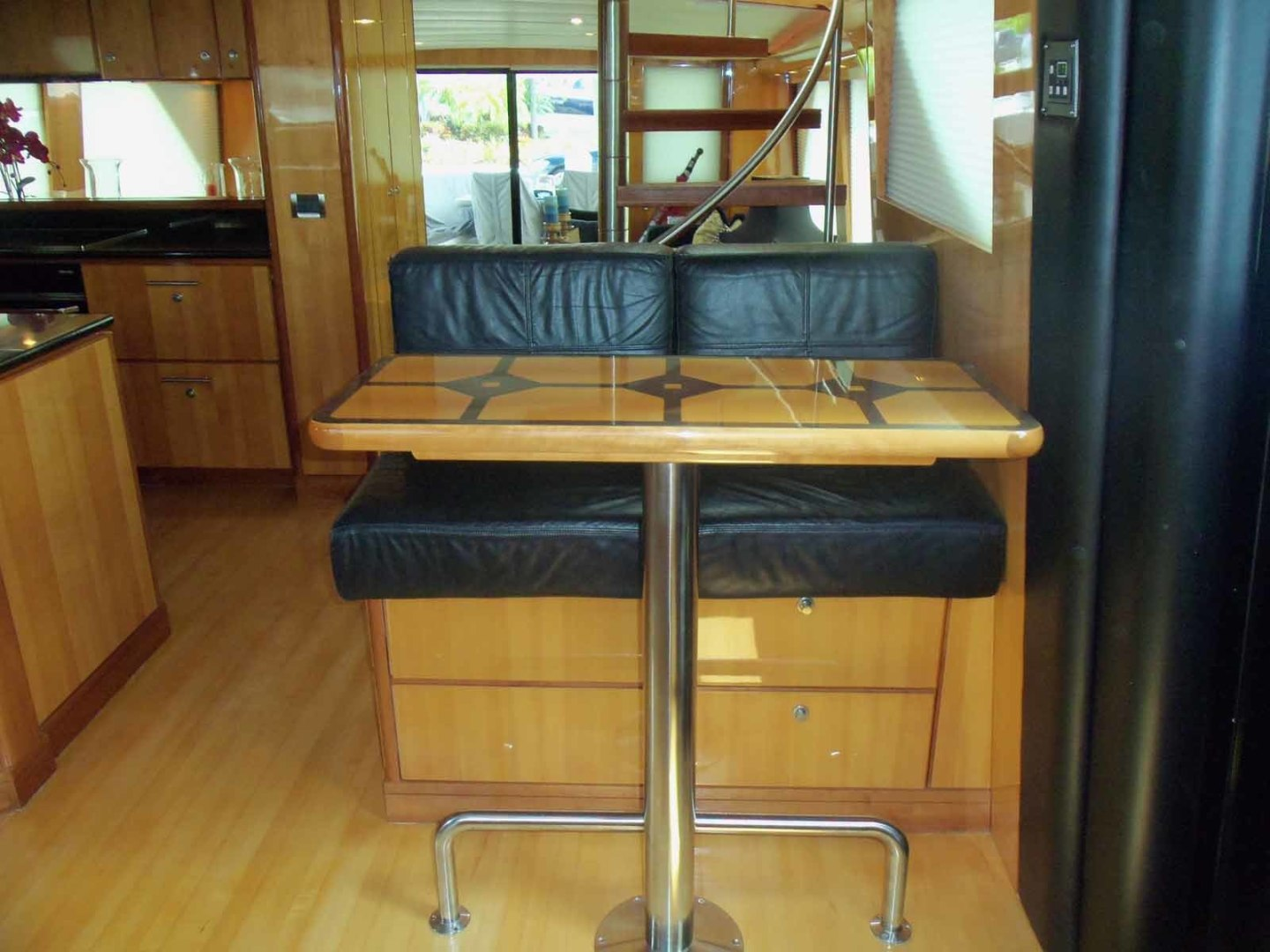 Queenship-Barretta 76 2004-SEA MYSTIC Fort Myers-Florida-United States-Pilothouse Helm Settee-1588088 | Thumbnail