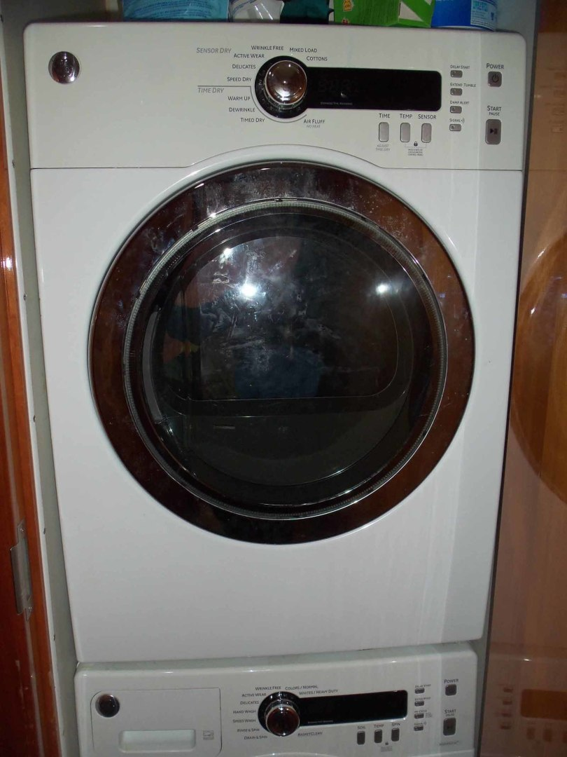 Queenship-Barretta 76 2004-SEA MYSTIC Fort Myers-Florida-United States-Accommodation Stairway Dryer-1588105 | Thumbnail
