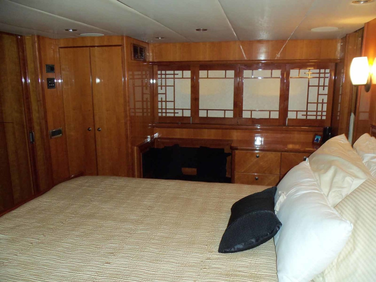 Queenship-Barretta 76 2004-SEA MYSTIC Fort Myers-Florida-United States-Master To Port-1588117 | Thumbnail