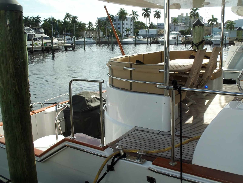 Queenship-Barretta 76 2004-SEA MYSTIC Fort Myers-Florida-United States-Aft Deck Entrance-1588131 | Thumbnail