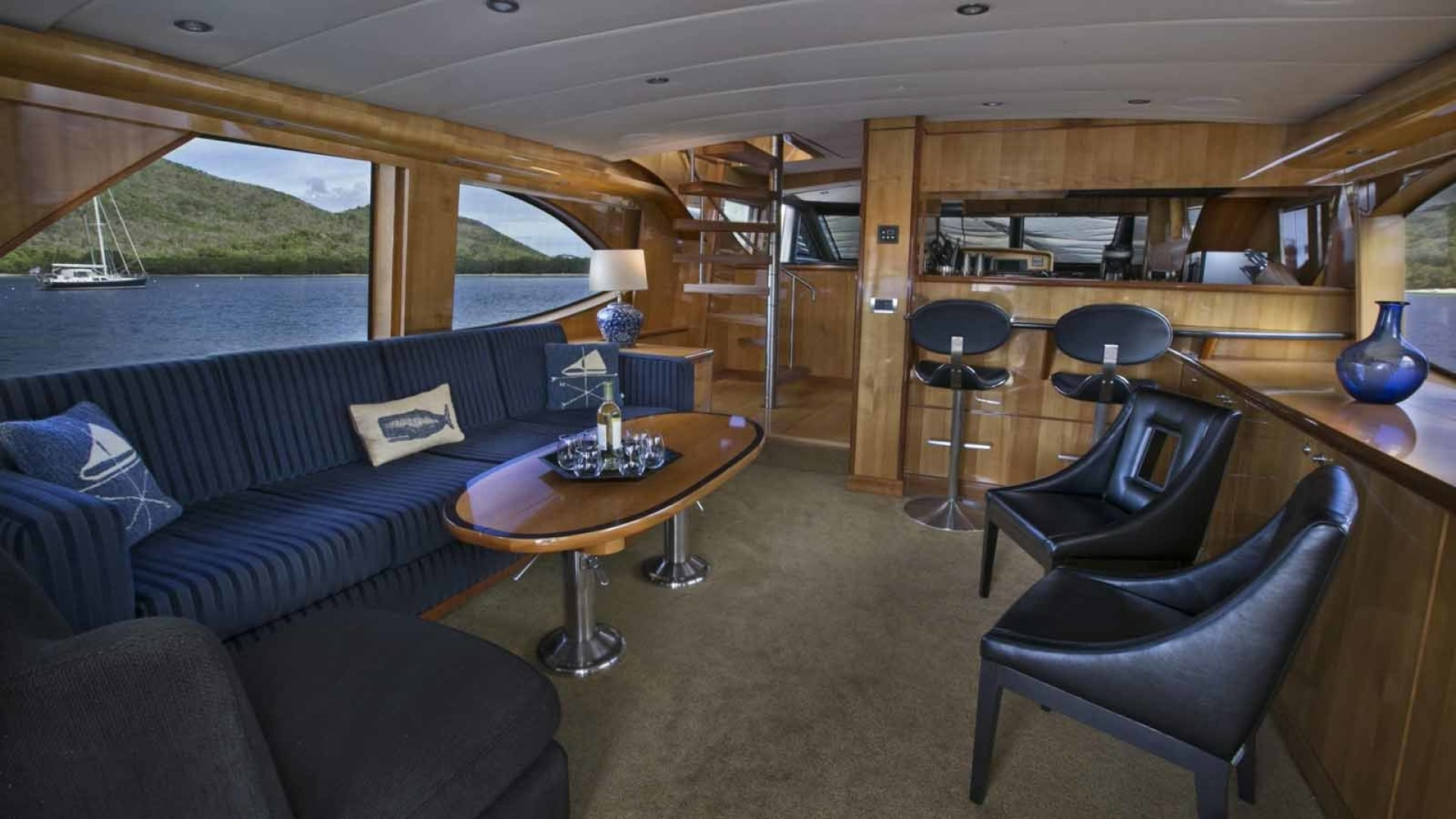 Picture Of: 76' Queenship Barretta 76 2004 Yacht For Sale | 2 of 86