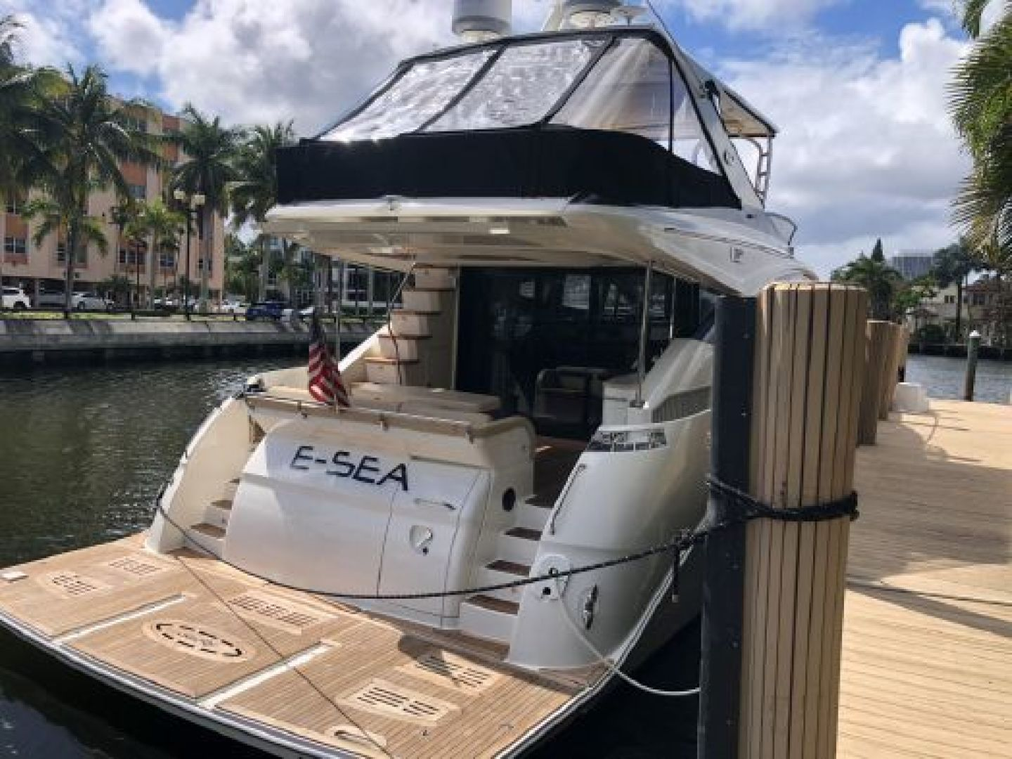 Picture Of: 65' Sea Ray L650 Fly 2015 Yacht For Sale | 2 of 2