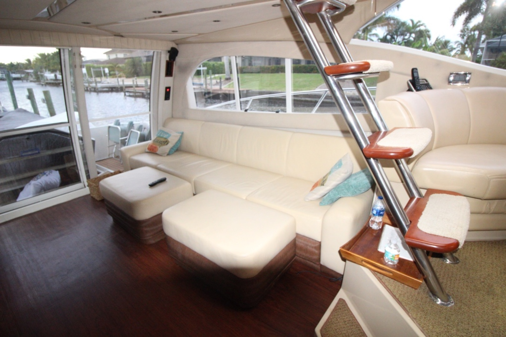 Picture Of: 50' Cruisers 5000 Sedan Sport 2001 Yacht For Sale | 2 of 58