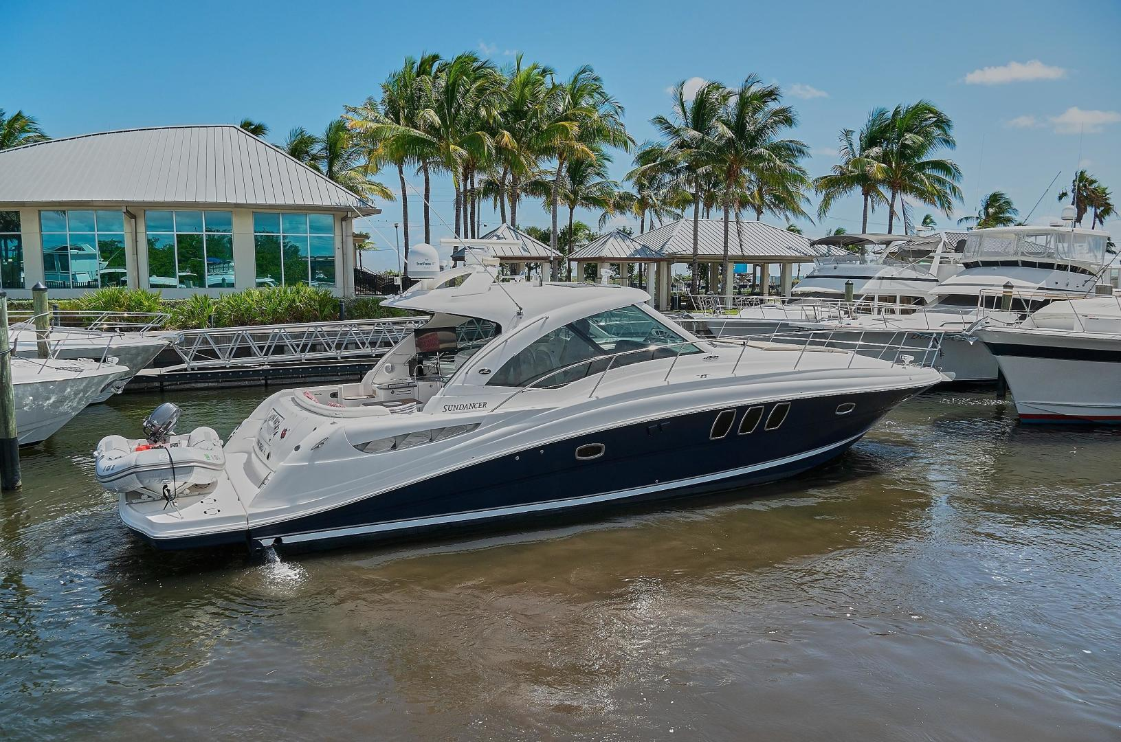 Picture Of: 51' Sea Ray 48 Sundancer 2006 Yacht For Sale   2 of 35