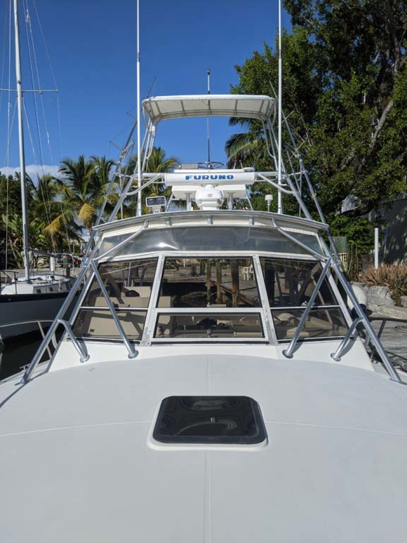 Carolina Classic-35 Express 2001-Fish Hard Key Largo-Florida-United States-Foredeck Looking Aft At Windshield And Tower-1289616 | Thumbnail