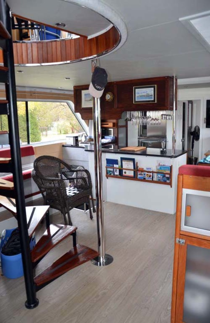 Custom-Artisanal Power Catamaran 2014-Merjo 6 Nicolet-Quebec-Canada-Salon Entering From Aft Deck-1291480 | Thumbnail