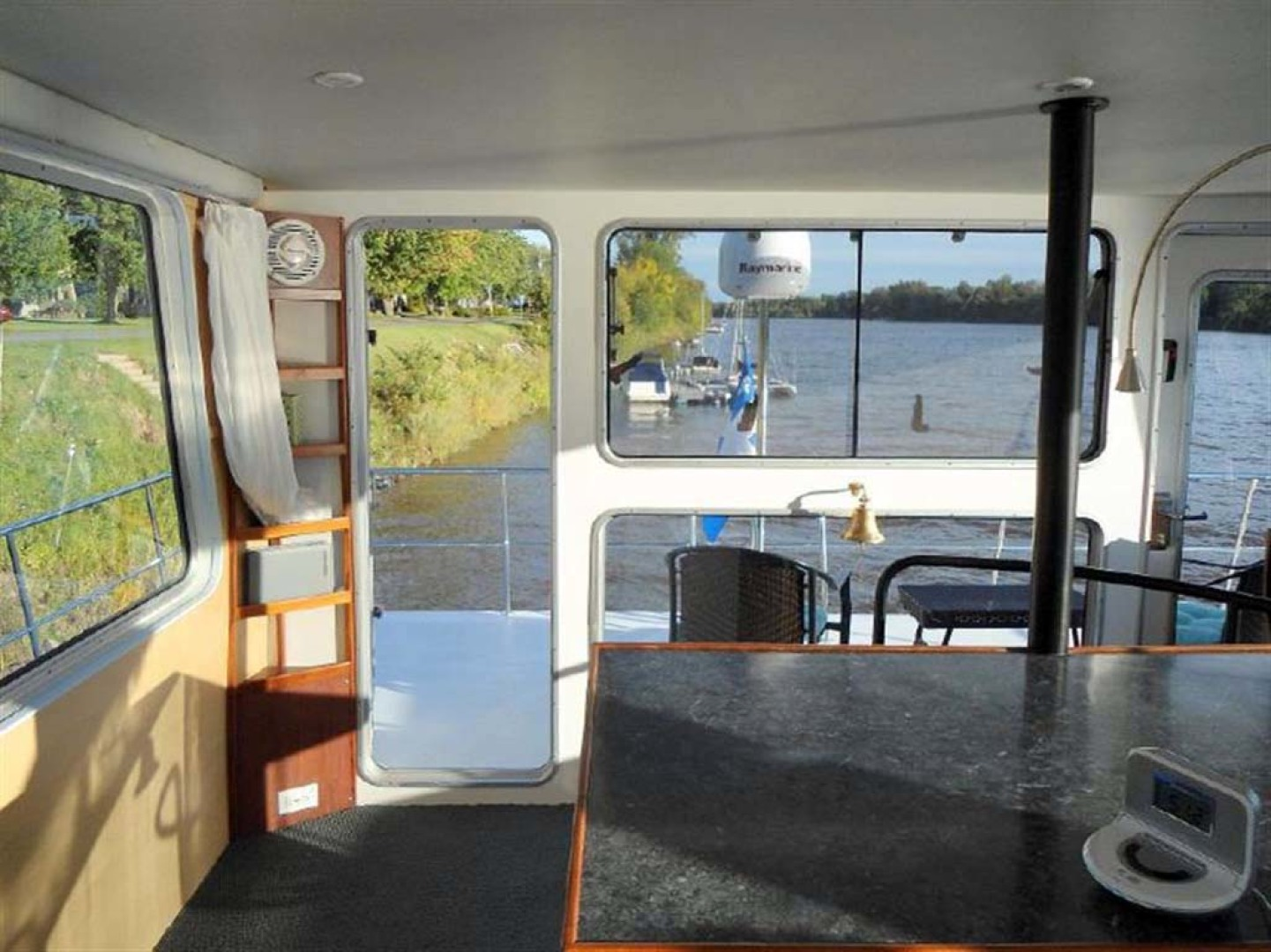 Custom-Artisanal Power Catamaran 2014-Merjo 6 Nicolet-Quebec-Canada-Helm Looking Aft-1291486 | Thumbnail