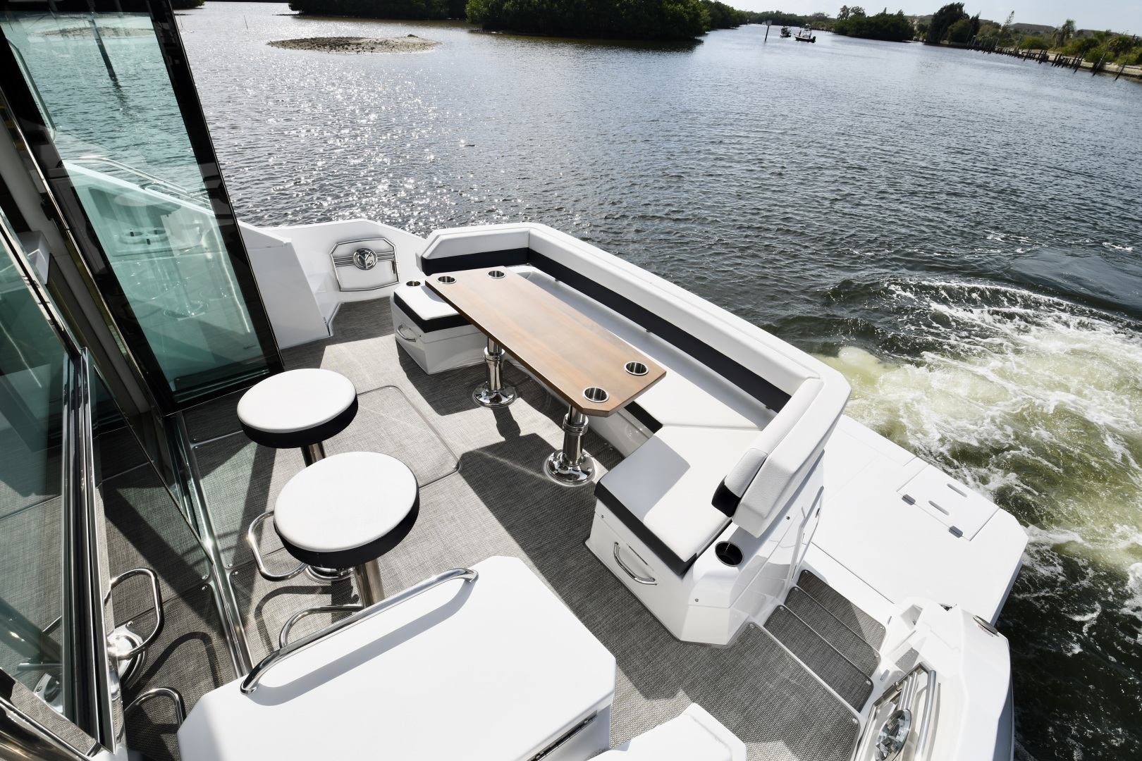 Cruisers-54 Cantius 2018-Pipe Dream St.Petersburg-Florida-United States-2018 Cruisers 58 Cantius Cockpit-1322911 | Thumbnail