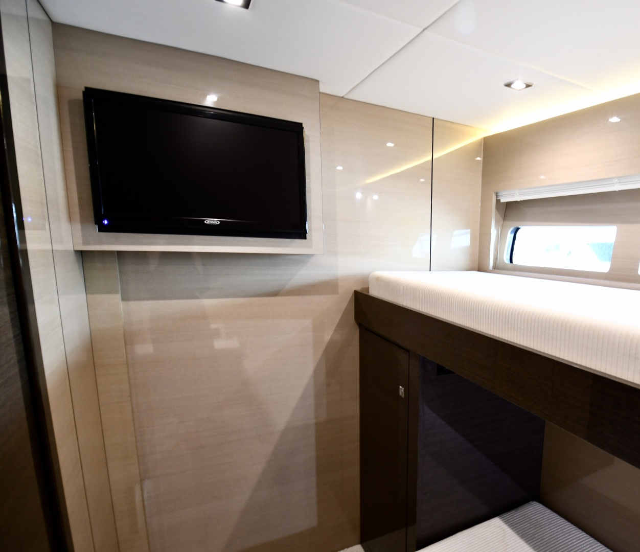 Cruisers-54 Cantius 2018-Pipe Dream St.Petersburg-Florida-United States-2018 Cruisers 58 Cantius Guest Bunk Room-1322879 | Thumbnail