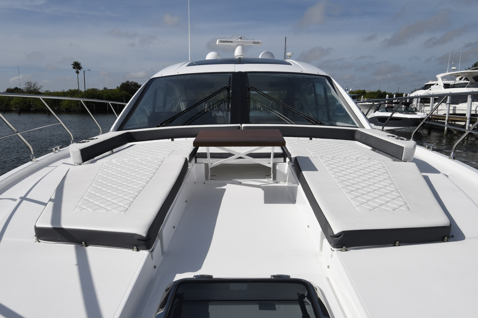 Cruisers-54 Cantius 2018-Pipe Dream St.Petersburg-Florida-United States-2018 Cruisers 58 Cantius Foredeck-1322925 | Thumbnail