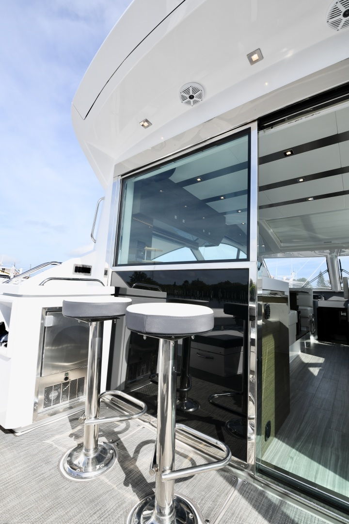 Cruisers-54 Cantius 2018-Pipe Dream St.Petersburg-Florida-United States-2018 Cruisers 58 Cantius Cockpit-1322914 | Thumbnail