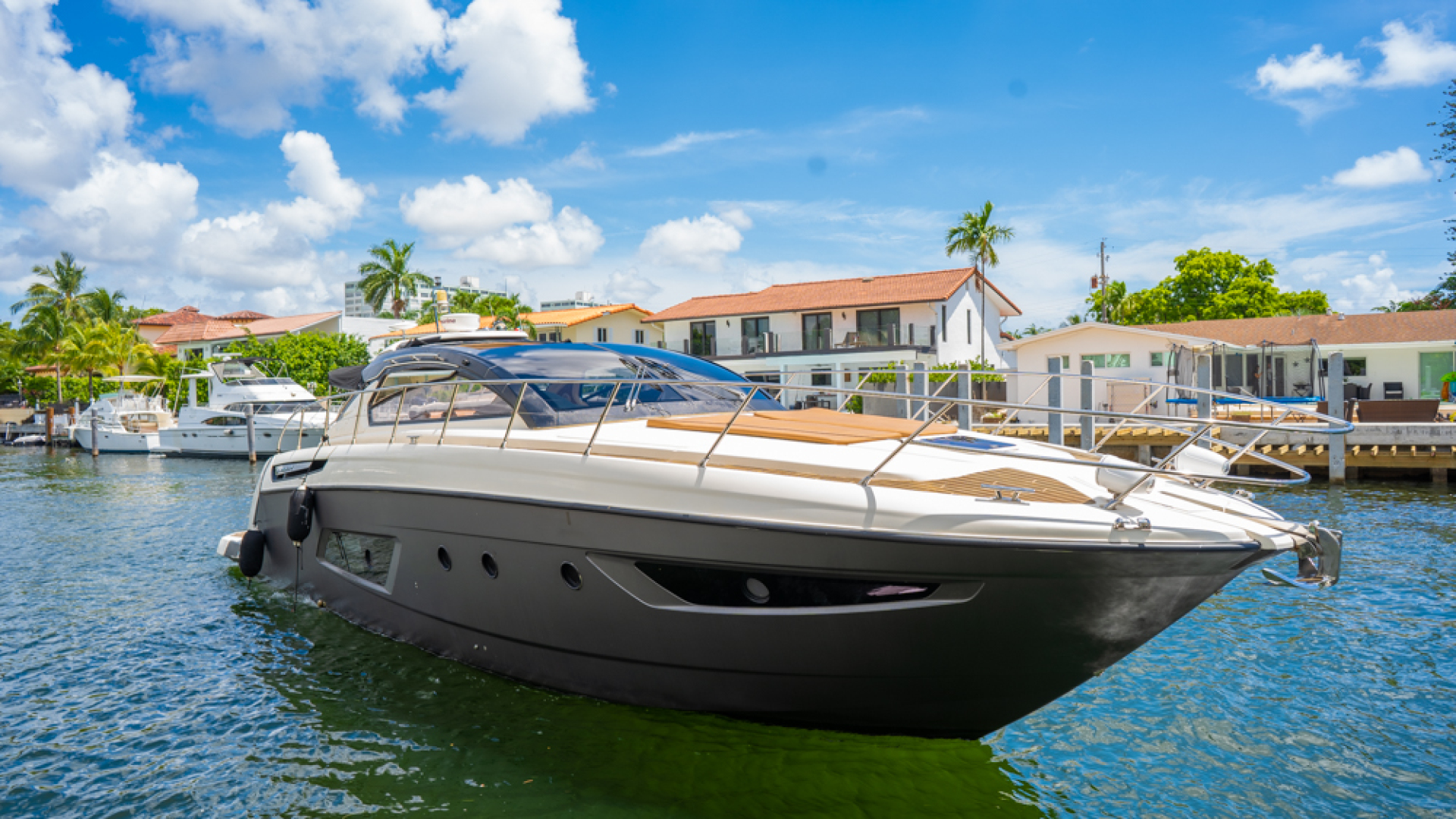 Picture Of: 48' Azimut Atlantis 48 2013 Yacht For Sale   1 of 90