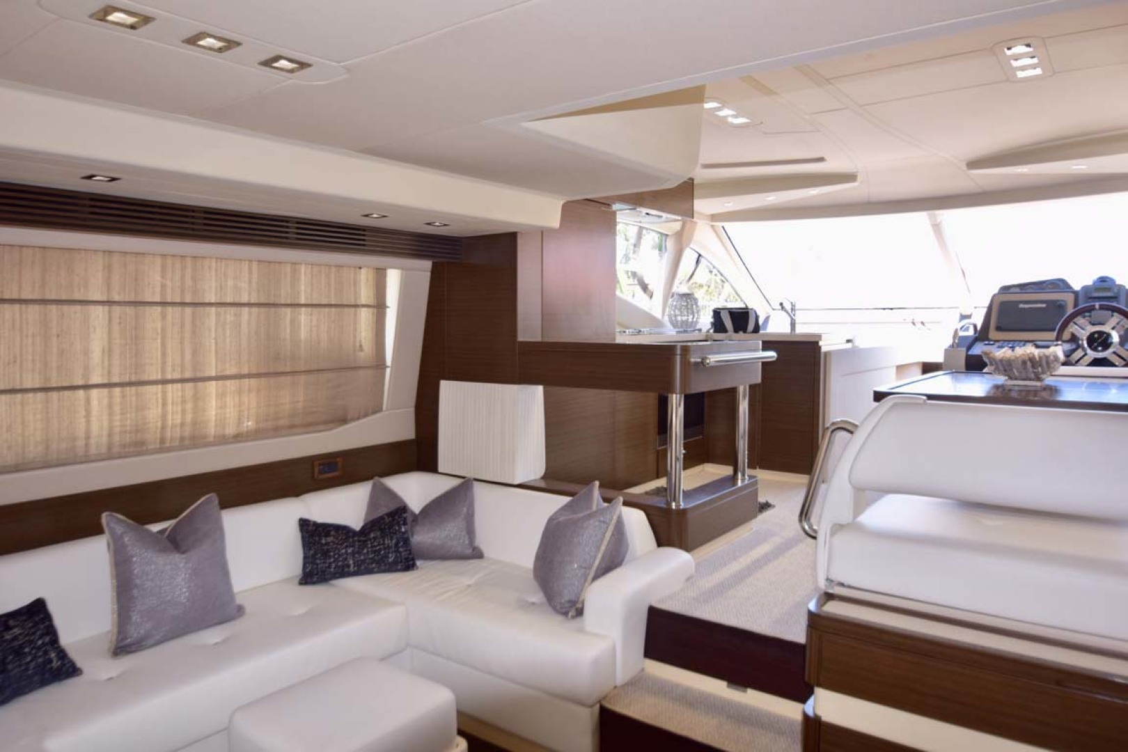 Azimut-54 Flybridge 2014-Suits Fort Lauderdale-Florida-United States-Salon-1292164 | Thumbnail