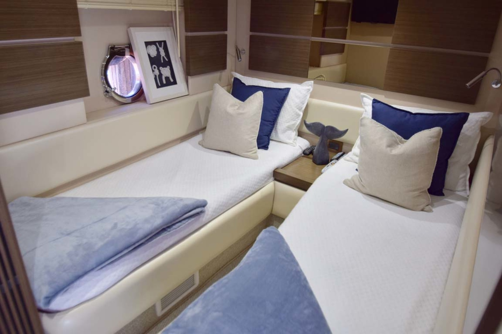 Azimut-54 Flybridge 2014-Suits Fort Lauderdale-Florida-United States-Twin Bunk Room-1292180 | Thumbnail