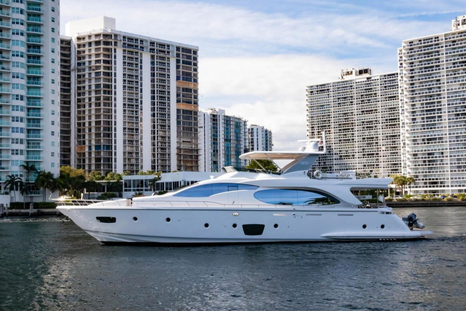 Picture Of: 85' Azimut Flybridge 2007 Yacht For Sale | 1 of 56
