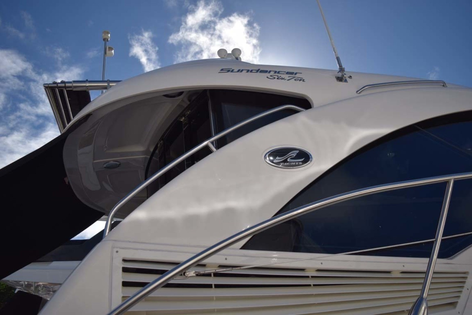 Sea Ray-Sundancer 610 2012-SON RYS Fort Myers-Florida-United States-View From Dock Archway, Sun Shade And Railing PORT Side-1298482 | Thumbnail