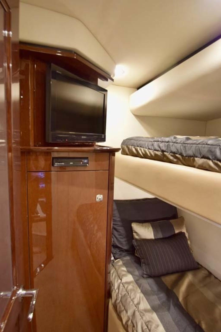 Sea Ray-Sundancer 610 2012-SON RYS Fort Myers-Florida-United States-Twin Bunkroom TV Detail-1298472 | Thumbnail