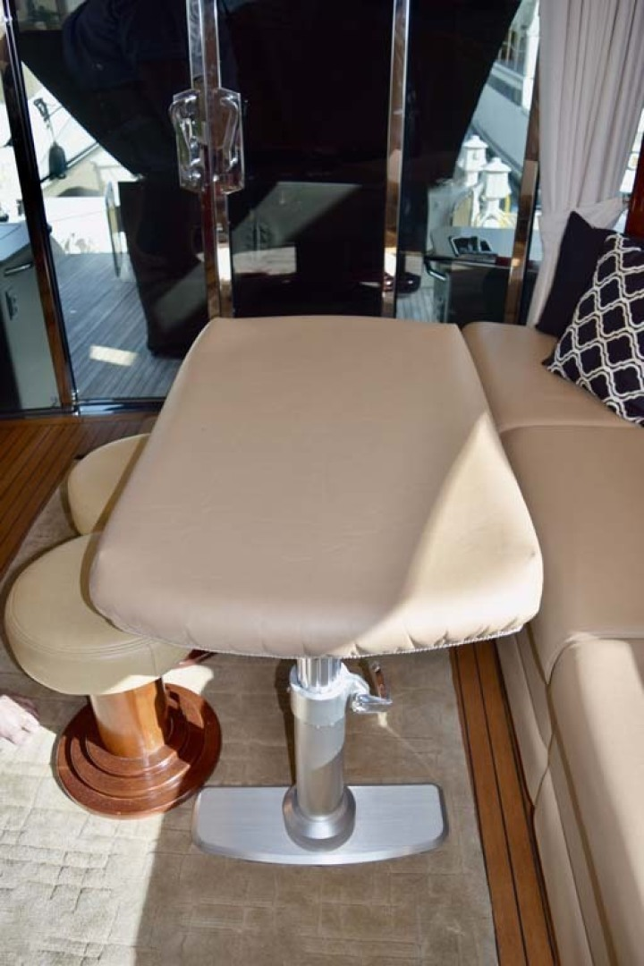 Sea Ray-Sundancer 610 2012-SON RYS Fort Myers-Florida-United States-Upper Salon Seating With Table Cover-1298442 | Thumbnail