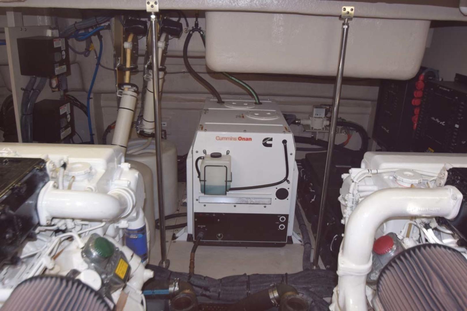 Sea Ray-Sundancer 610 2012-SON RYS Fort Myers-Florida-United States-Engine Room-1298505 | Thumbnail