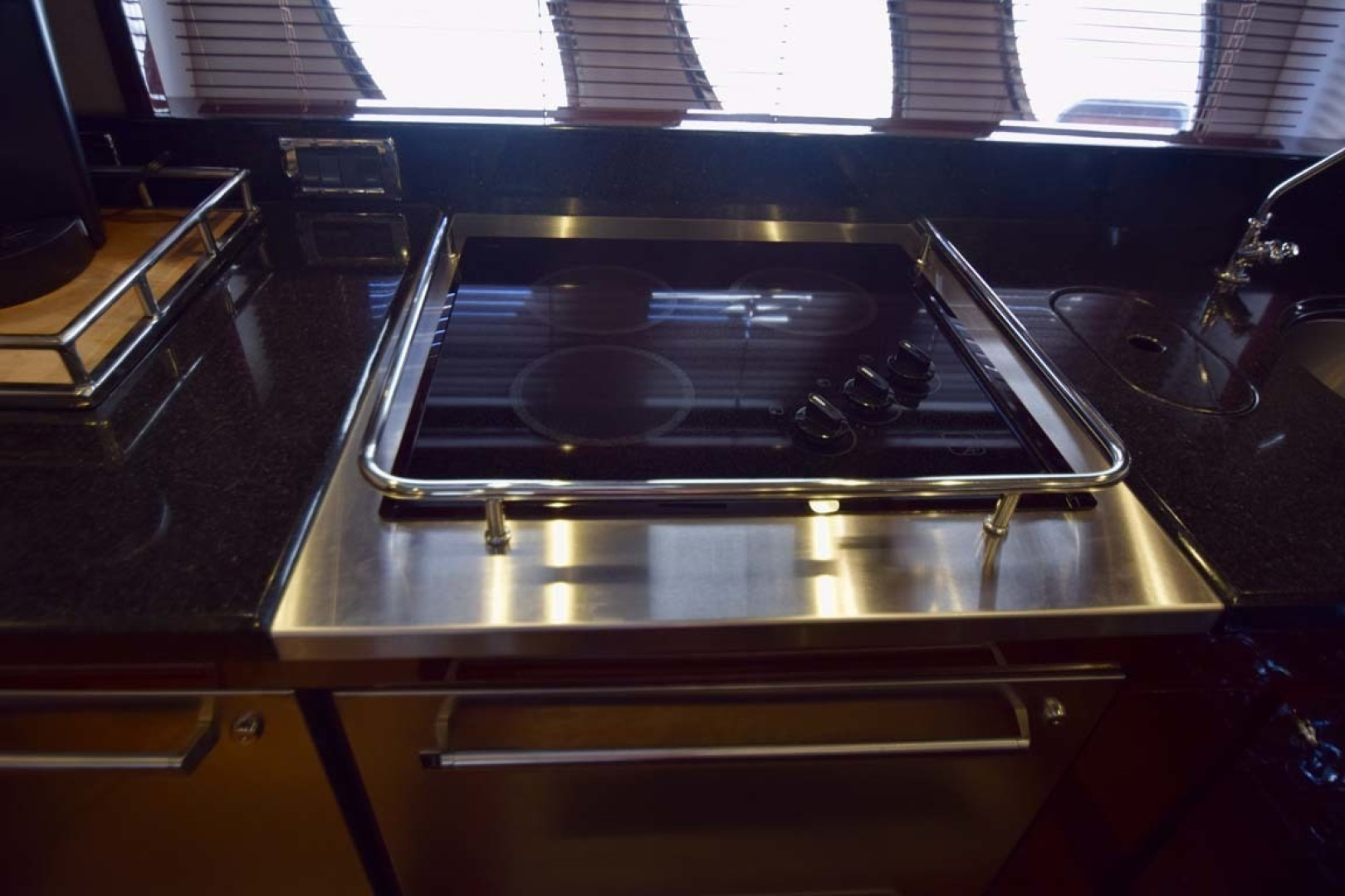 Sea Ray-Sundancer 610 2012-SON RYS Fort Myers-Florida-United States-Galley Cooktop-1298448 | Thumbnail