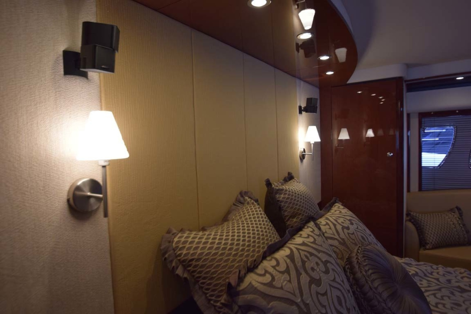 Sea Ray-Sundancer 610 2012-SON RYS Fort Myers-Florida-United States-Master Stateroom Bulkhead Behind Bed With Accent Lighting-1298464 | Thumbnail