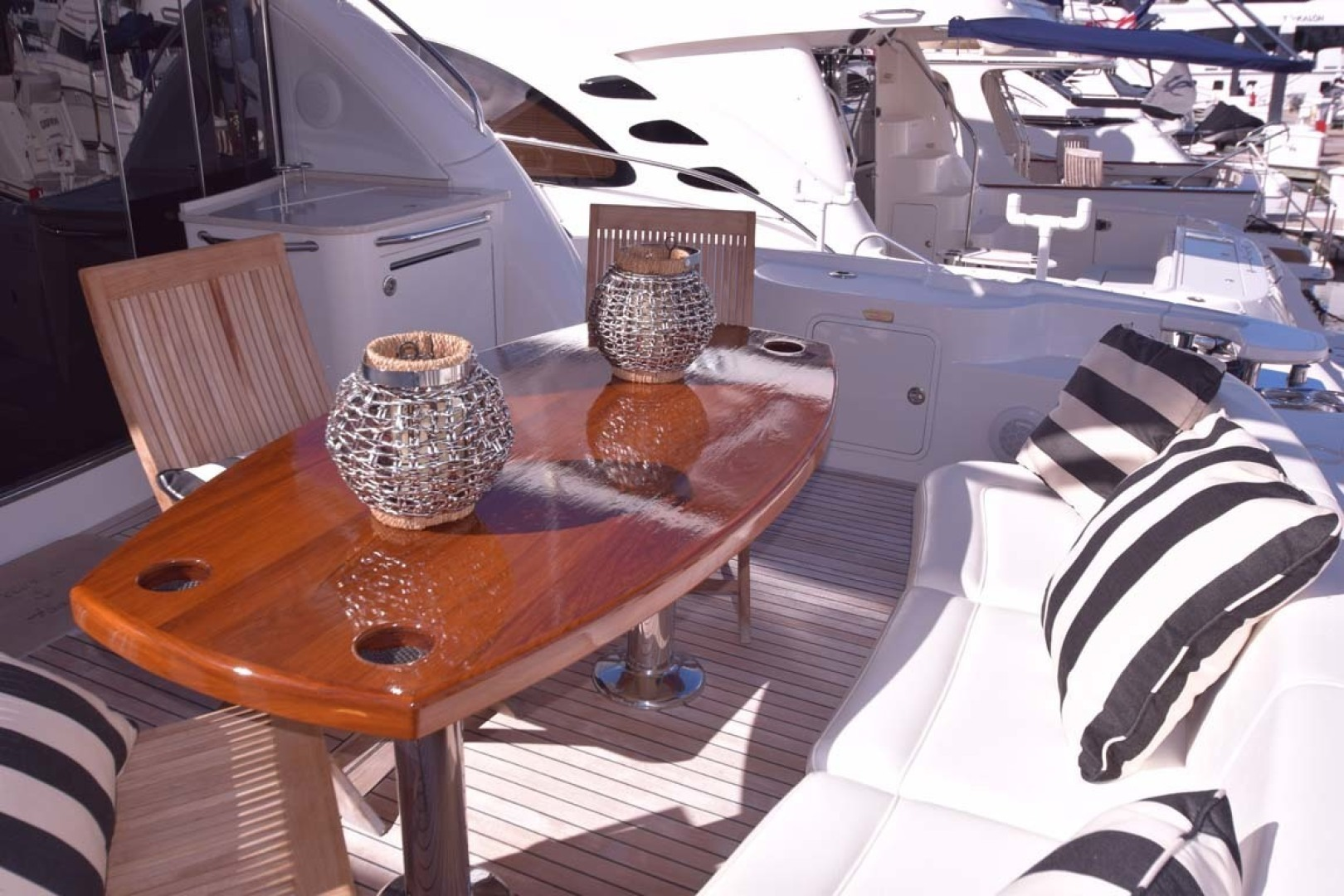 Sea Ray-Sundancer 610 2012-SON RYS Fort Myers-Florida-United States-Aft Deck Table With Ample Seating For 8-1298493 | Thumbnail