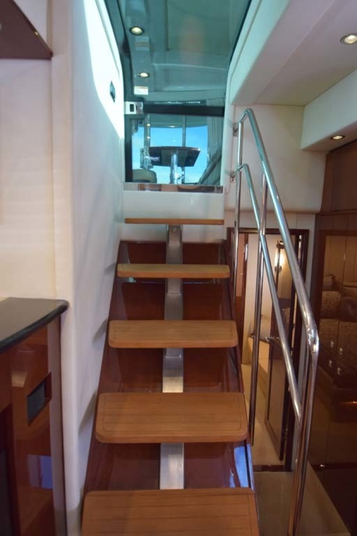Sea Ray-Sundancer 610 2012-SON RYS Fort Myers-Florida-United States-Steps Between Upper And Lower Salon-1298443 | Thumbnail