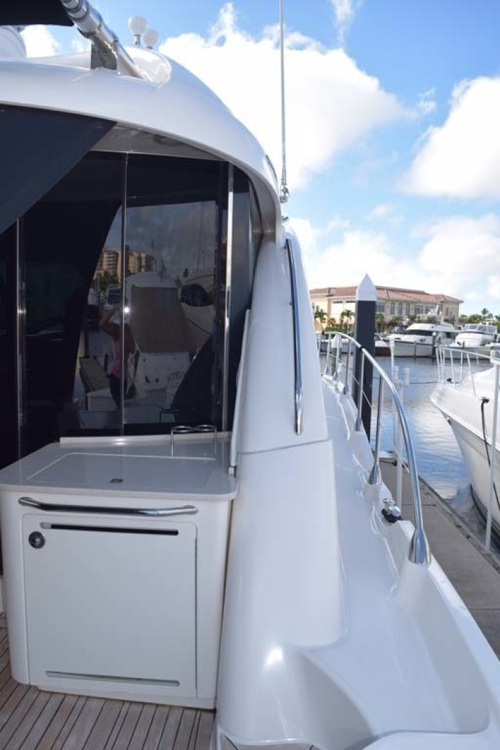 Sea Ray-Sundancer 610 2012-SON RYS Fort Myers-Florida-United States-Aft Deck View Towards Sliding Doors, Grill And Fridge-1298491 | Thumbnail